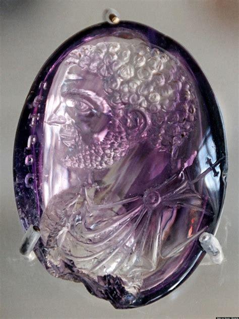 roman jewelry ancient gem amethyst stone carved gems found gemstones engraving purple greek caracalla portrait chapelle sainte carvings cut engraved