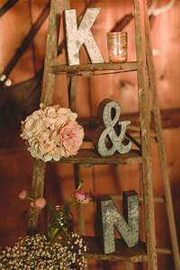 25 wedding decoration ideas with vintage ladders