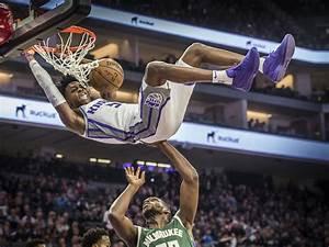 De'Aaron Fox Q&A: How Does the Kings Rookie Unwind? | SI.com