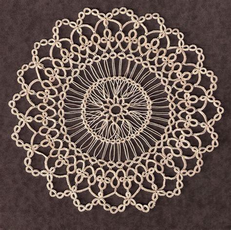 tatting  hairpin lace aka maltese crochet tatting