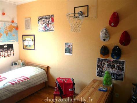 panier de basket pour chambre relooking chambre ado avant après chorizo chantilly