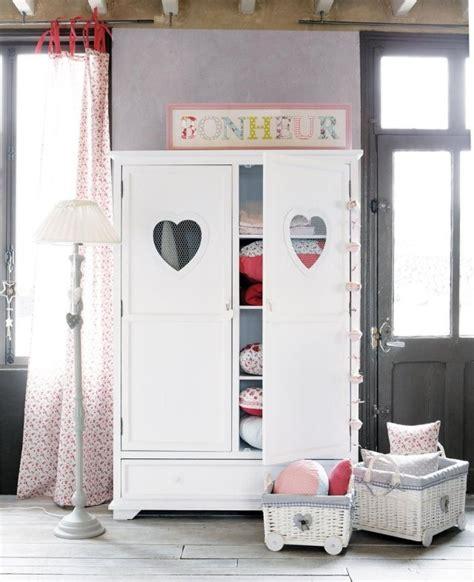 armoire pour chambre fille armoire enfant du pays des merveilles pour filles et garçons