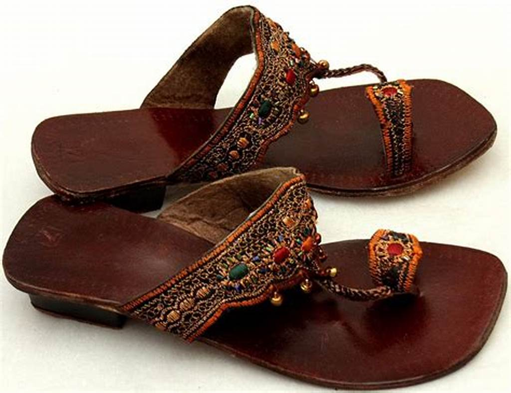 #Brown #Sandals #With #Thread
