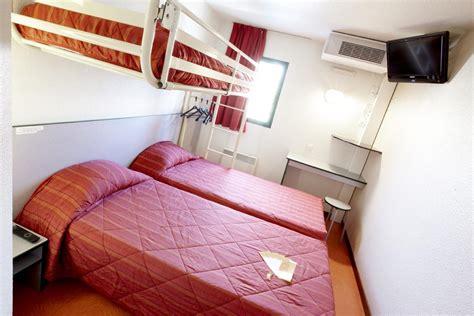 premiere classe chambre hotel première classe quentin en yvelines