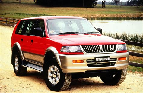 hayes auto repair manual 1999 mitsubishi challenger auto manual how to fix cars 1999 mitsubishi challenger security system mitsubishi 1999 challenger shogun