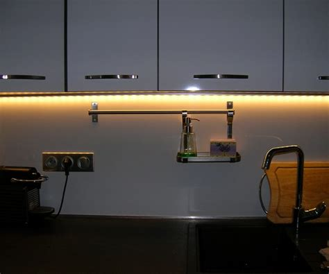eclairage led cuisine plan de travail realisations electricien vif amve electricien grenoble