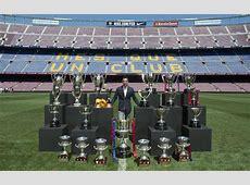 Xavi posó con sus 24 títulos