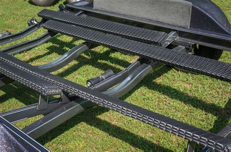 Boat Trailer Fender Bunks by Trailer Bunk Hull Protection Bcb Using Gatorbac Or