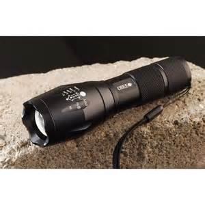 puissante le torche led cree xm l t6 2000lm 5 modes zoom waterproof 2 batteries 18650 1