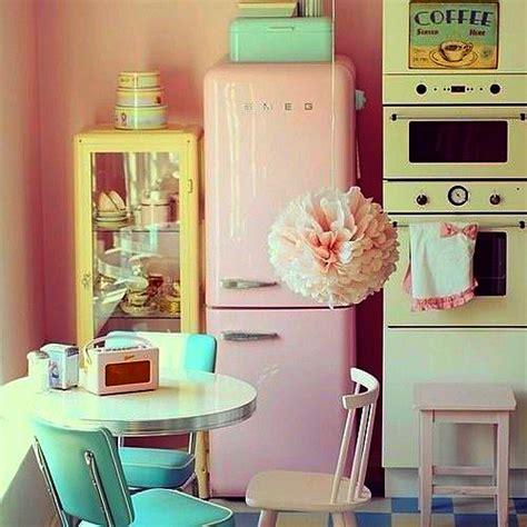 50s Retro Bathroom Decor by Www Pale Vintage Roses Com Fridas Peach