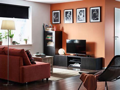 ikea muebles sala de estar con un mueble de tv negro marrón con cajones