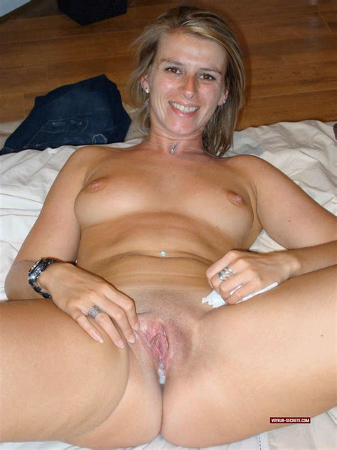pretty mother shows her pussy is filled