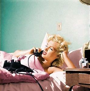 Marilyn Monroe Chanel No 5 | Marilyn in Bed ♥ | Pinterest