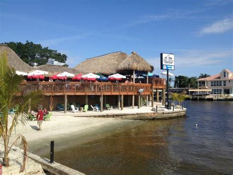 Boat House Tiki Bar And Grill by Boat House Tiki Bar Grill Picture Of Cape Coral Yacht