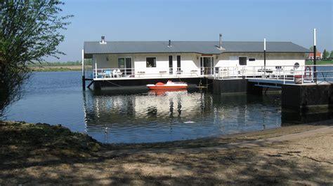 Woonboot Plek Amsterdam by Woonark Quot Aquadrome Quot