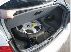 10 Peralatan Darurat Wajib di Kendaraan Anda Carmudi