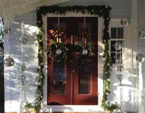 Our Victorian Front Porch, Decorated For Christmas & A Diy Spray Paint Gun For House Krylon Plastic Colors Specialty Street Artist Painting Upholstery Bedroom Furniture Automotive Paints