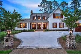 Low Country Home Architecture by Exquisite South Carolina Farmhouse Evoking A Low Country Style Country Styl