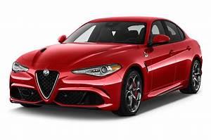 Alfa Romeo Giula : alfa romeo raises price of 2018 giulia quadrifoglio automobile magazine ~ Medecine-chirurgie-esthetiques.com Avis de Voitures