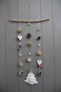 mobile esprit hiver noel avec coeurs en bois bois flotte With chambre bébé design avec couronne de fleurs pour deuil