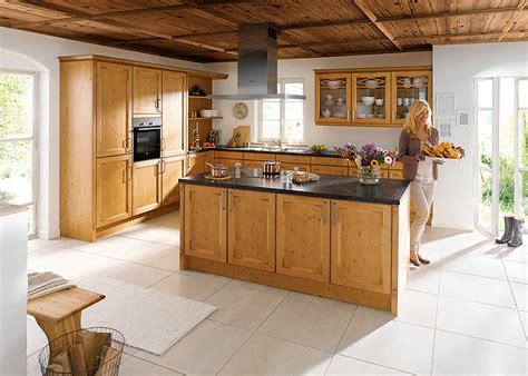 cuisine facade bois cuisiniste classique haut de gamme avec fa 231 ade bois gbs