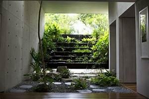 Jardin D Interieur : jardin d int rieur un oasis au c ur de la maison ideeco ~ Dode.kayakingforconservation.com Idées de Décoration