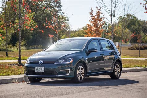 E Golf 2017 by Review 2017 Volkswagen E Golf Canadian Auto Review