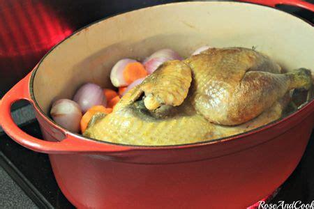 cuisiner une pintade en cocotte pintade label aux agrumes et à la bière en cocotte