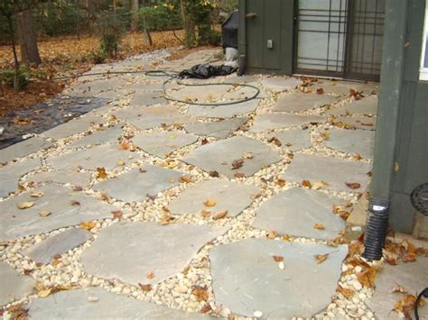 flagstone filler material 23 best images about backyard on pinterest backyards gravel patio and lawn alternative
