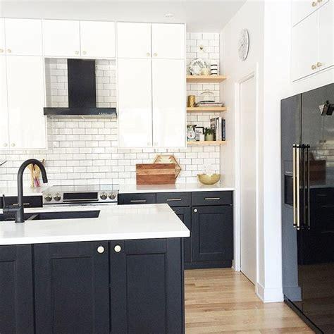 white cabinets for kitchen best 25 kitchen black appliances ideas on 1267