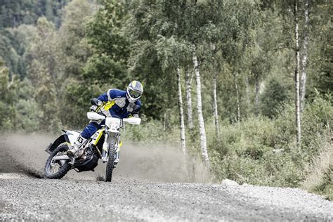 husqvarna  supermoto updated   motor