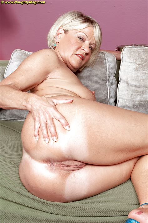 Mature Blonde Miss Angelique Foxx Gets Undressed And