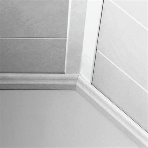 Badezimmer Fliesen Deckenabschluss by Eckleisten Kunststoff