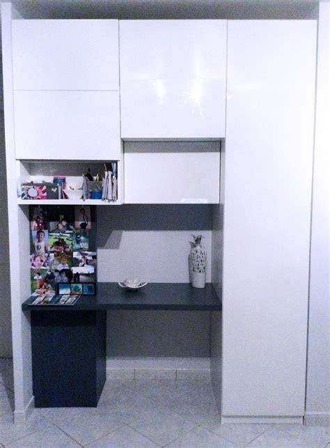 bureau dans placard aménager entrée avec des placards intégrés placards