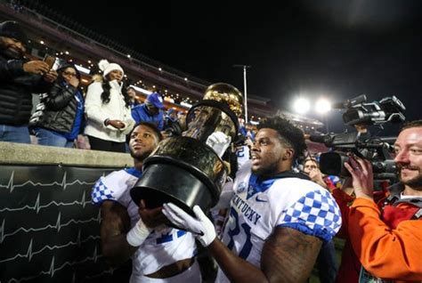 kentucky football position  position    roster