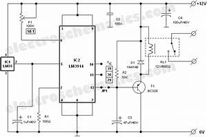 Temperature Sensor Chip Lm35  Ic1  Can Use To Control