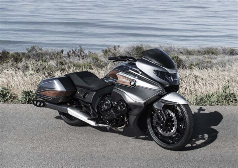 Moto Bmw by Bmw Concept 101 Is A Wood Trimmed Six Cylinder Bagger Of