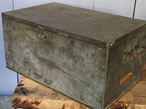 Coffre En Métal : ancien grand coffre de banque en metal ~ Teatrodelosmanantiales.com Idées de Décoration