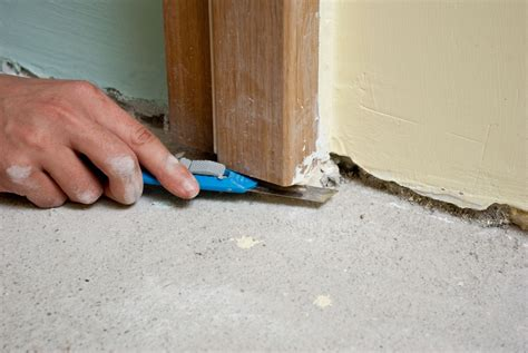 cutting door jambs for laminate flooring 11 steps how to install laminate flooring hirerush blog