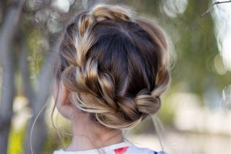 pull thru crown braid hairstyles