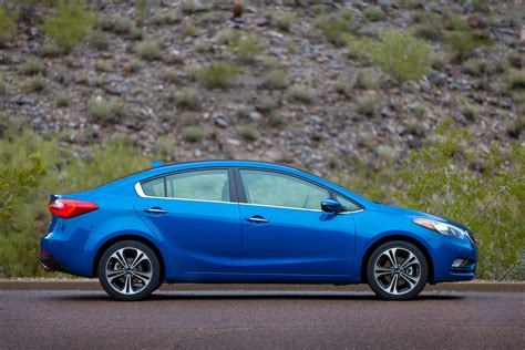 kia forte review ratings specs prices