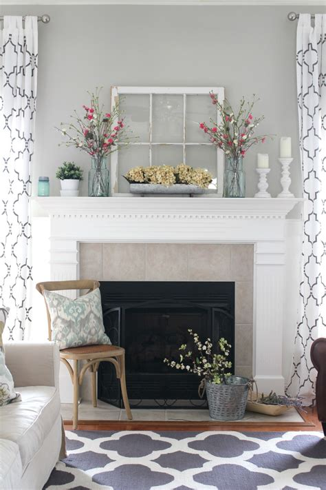 Decorating Ideas For Mantels by 27 Rustic Farmhouse Living Room Decor Ideas For Your Home