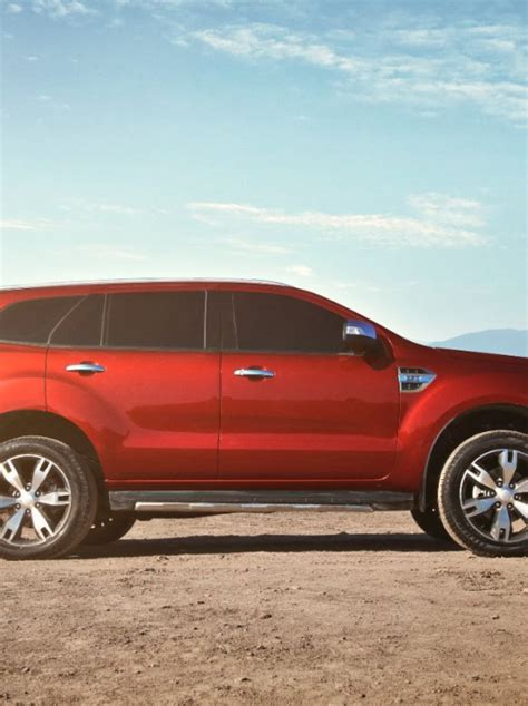 photos 2015 ford everest revealed the news wheel