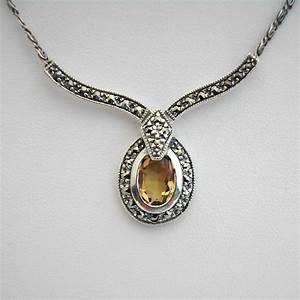 boite a bijoux pour collier maison design bahbecom With bijoux argent