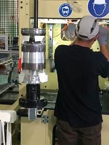 Garage Opel Limoges : renault moteur cleon romain grosjean en visite l usine de cl on groupe renault ~ Gottalentnigeria.com Avis de Voitures
