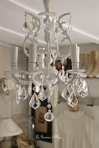 Lustre Pour Chambre : lustre cinq branches le blanc pour un effet shabby chic cosy le grenier d 39 alice le ~ Teatrodelosmanantiales.com Idées de Décoration