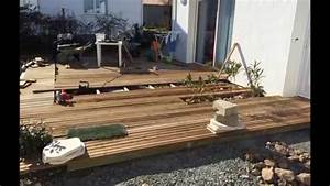 Realisation d39une terrasse bois autour d39une piscine for Terrasse autour d une piscine