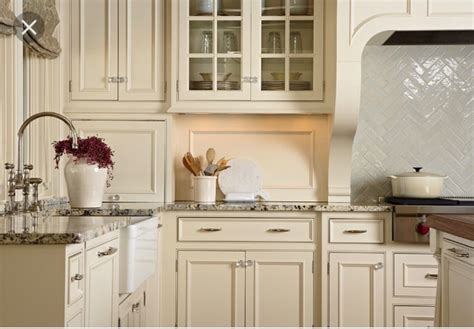 benjamin kitchen colors with white cabinets kitchen cabinets benjamin mayonnaise cabinet