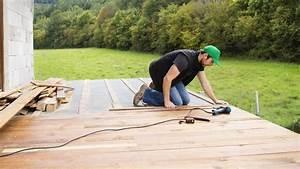 Installer Une Terrasse En Bois : faire une terrasse en bois soi m me nos conseils pour la r ussir c t maison ~ Farleysfitness.com Idées de Décoration