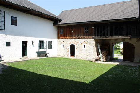 Häuser Mit Innenhof by Bernhard